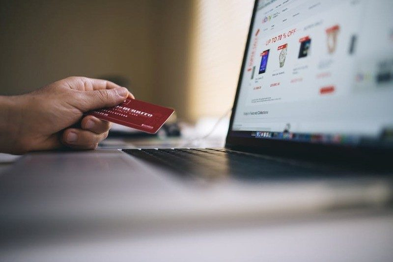 Shopping Online? Here's How You Make Sure that Your Personal Information Is Safe