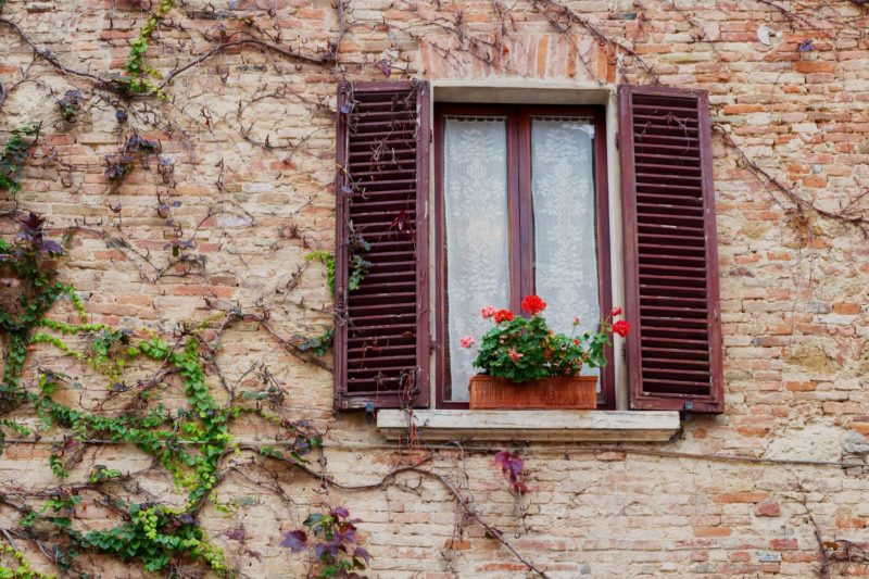 How To Know It's Time To Replace Your Window