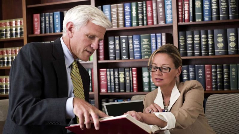 Five Times When It's Important to Hire a Legal Advisor