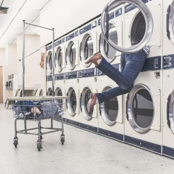 Front Load vs. Top Load – The Ultimate Washing Machine Battle
